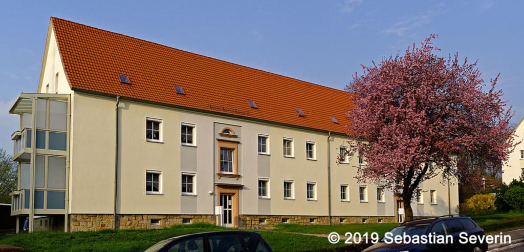 Wohnblock im Stadtzentrum von Glauchau.